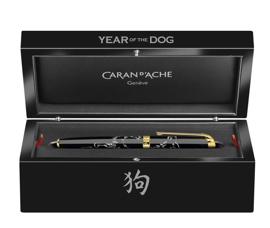 Caran d'Ache célèbre l'année du chien avec la laque de Chine