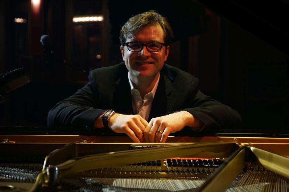 Corum : un beau partenariat avec le pianiste Joachim Horsley