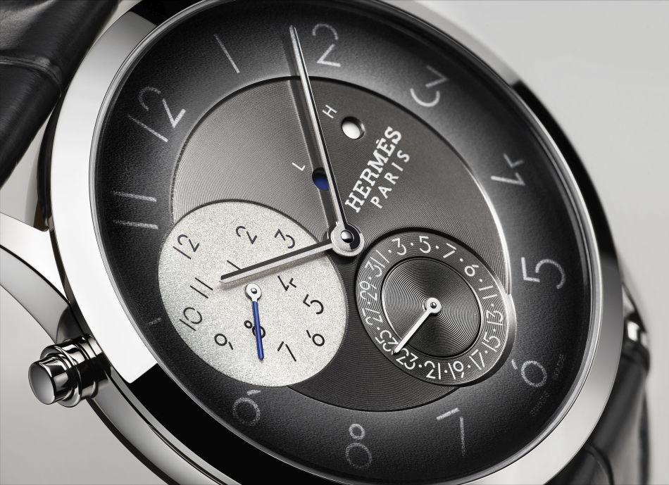 La Slim d'Hermès part en voyage d'affaires grâce à sa fonction GMT