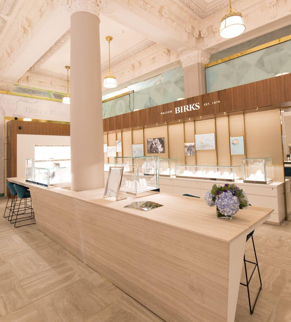 Montréal : réouverture du flagship de la maison Birks, Square Philipps
