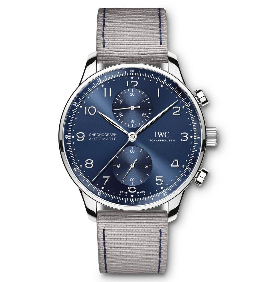 IWC : des bracelets textile bleu et gris pour l'été