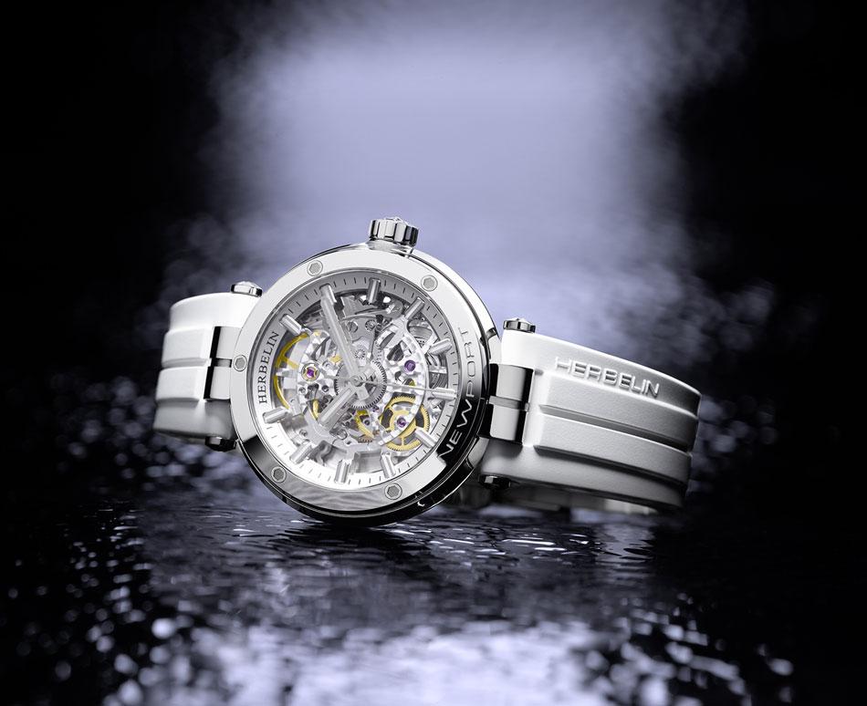 Michel Herbelin Newport Squelette Dame : montre horlogère et féminine à la fois