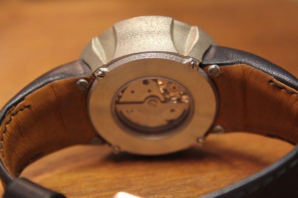 Philippe Lebru présente le premier boitier de montre en acier imprimé en 3D