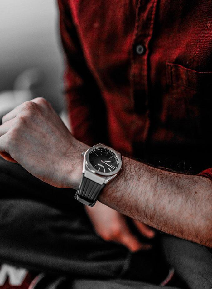 Vigilo : une montre pour séduire les jeunes et les amener à l'horlogerie...