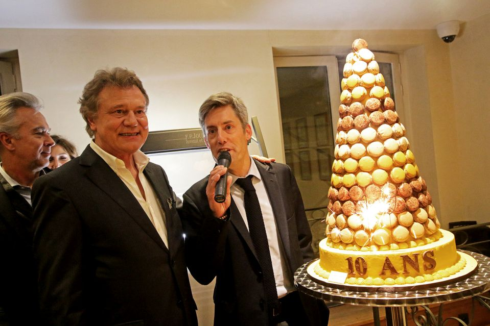 François-Paul Journe en compagnie de Lucas Pouedras, directeur de la boutique Paris