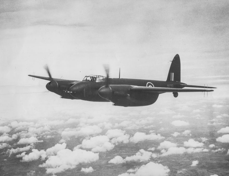 Breitling Aviator 8 Mosquito : hommage à l'avion De Havilland