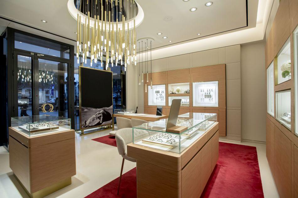 Paris : la boutique Omega Champs-Elysées rouvre ses portes au terme de sa rénovation