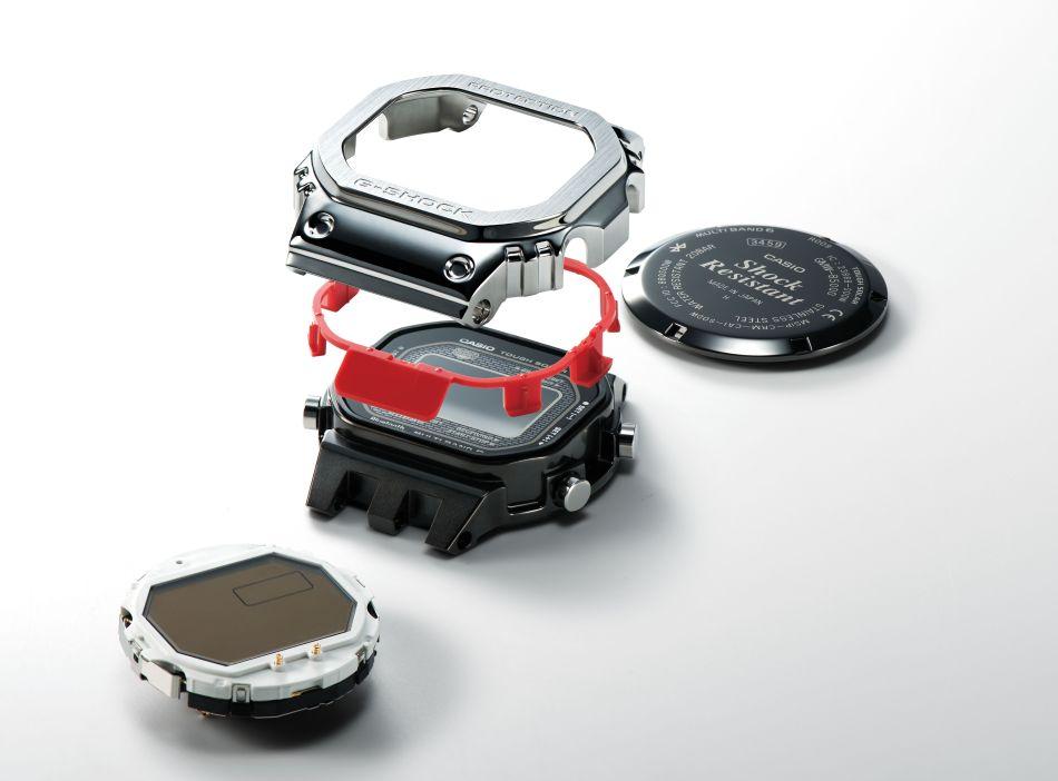 """G-Shock GMW-B5000CS : structure métallique pour design """"futur proche"""""""