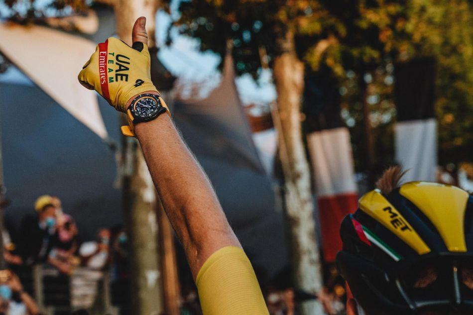 Tadej Pobacar et sa Breitling Endurance Pro