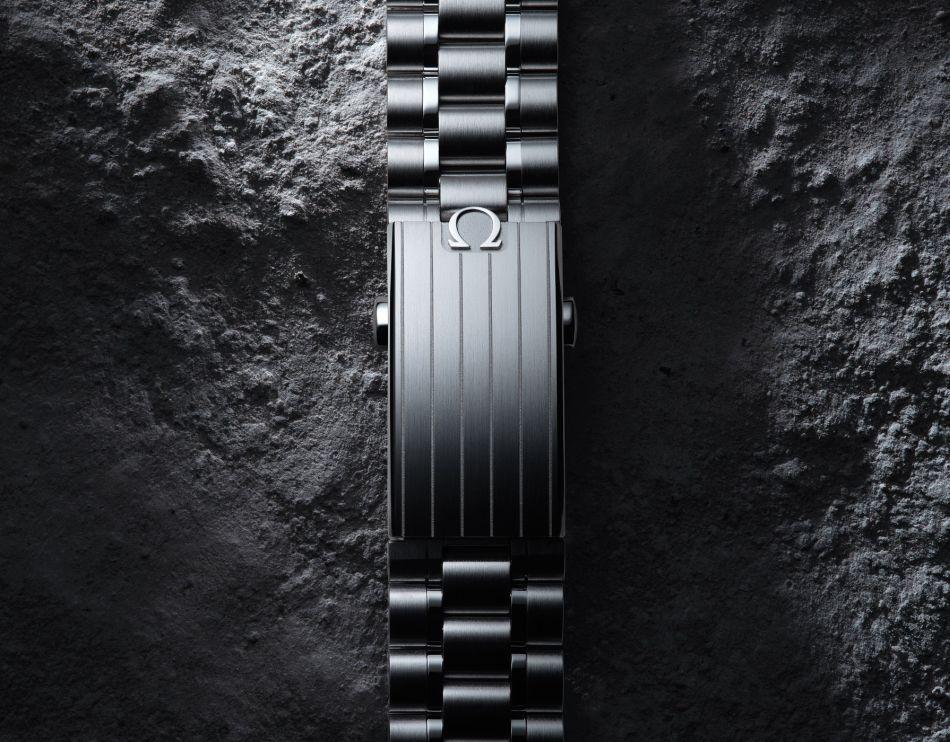 Omega Moonwatch Master Chronometer bracelet