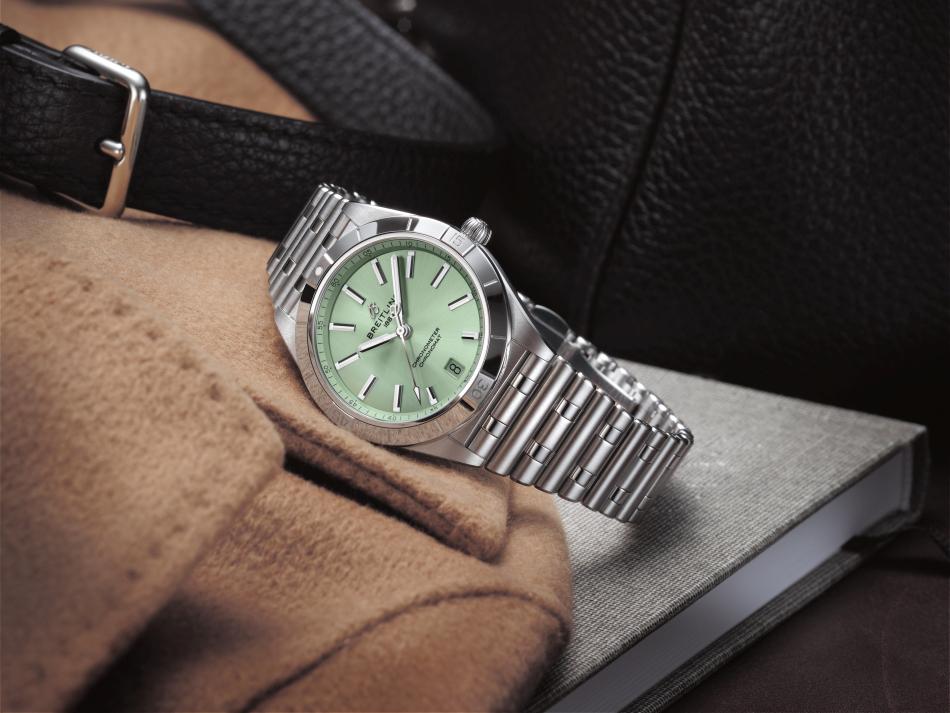 Breitling : le Chronomat au féminin se décline en deux tailles
