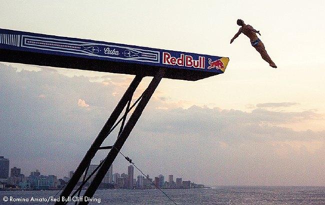 Maurice Lacroix : partenaire des Red Bull Cliff Diving