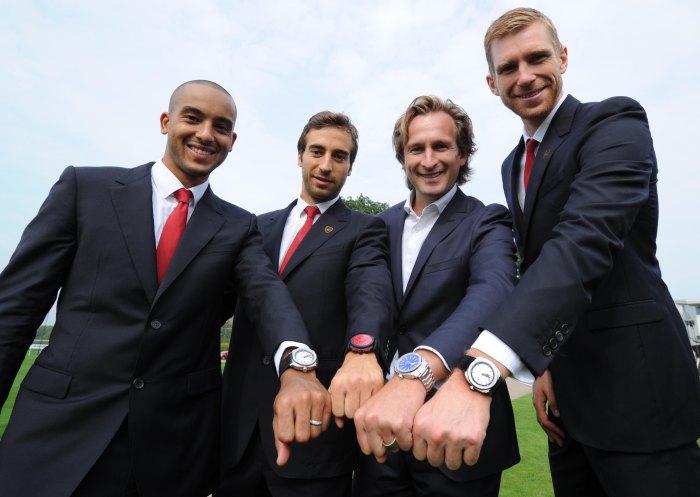 Arsenal : les joueurs reçoivent leur montre Jeanrichard