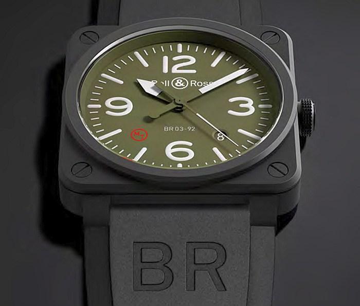 Bell & Ross BR03-92 Military Type : une guerrière à la ville