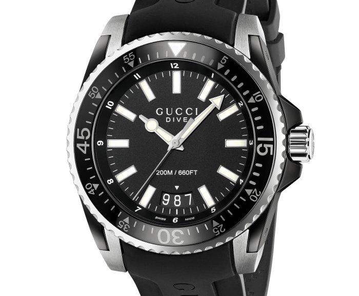 Gucci Dive 45 mm modèle quartz