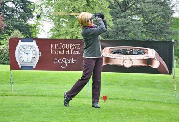 Genève : FP Journe organise sa première Coupe de golf féminine et présente son Elégante