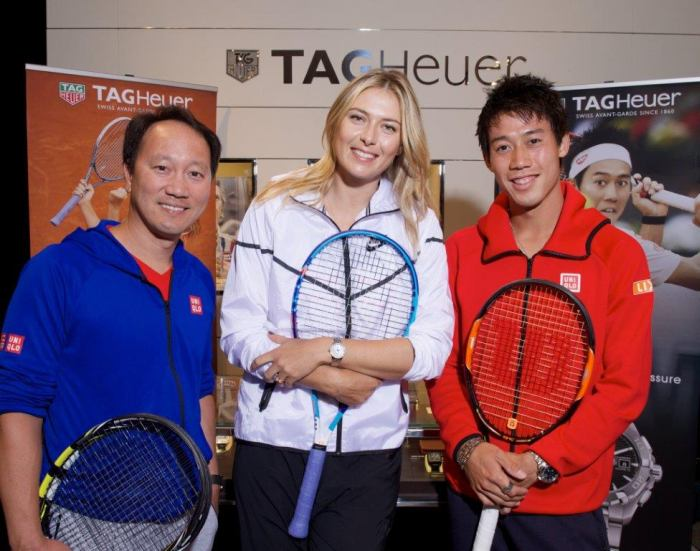 TAG Heuer : battle de la générosité sur les Champs-Elysées avec Maria Sharapova