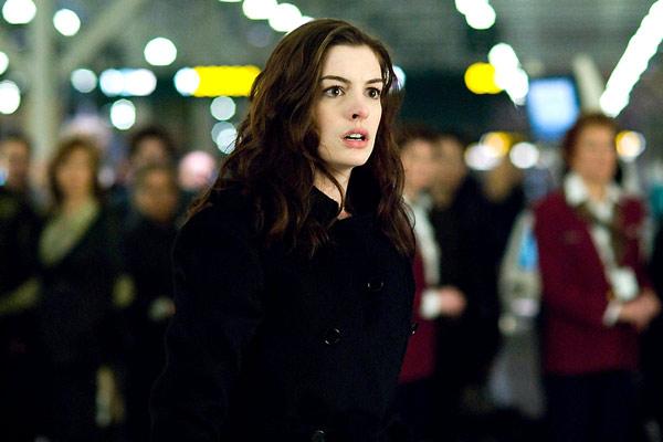 Les passagers, Anne Hathaway, DR