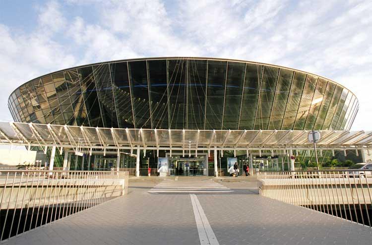 Aéroport : Hour Passion remporte l'appel d'offres de Nice Côte d'Azur