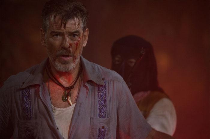 No Escape : Pierce Brosnan porte un chrono Movado