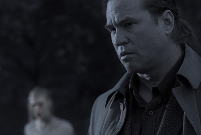 Twixt : Val Kilmer porte une Luminor Panerai