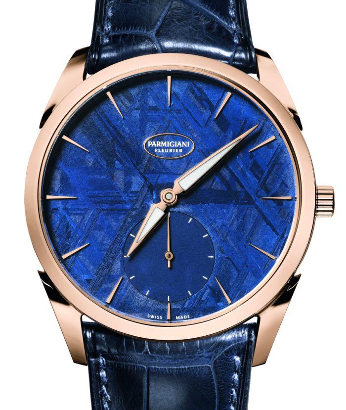 Montre luxe fond bleu