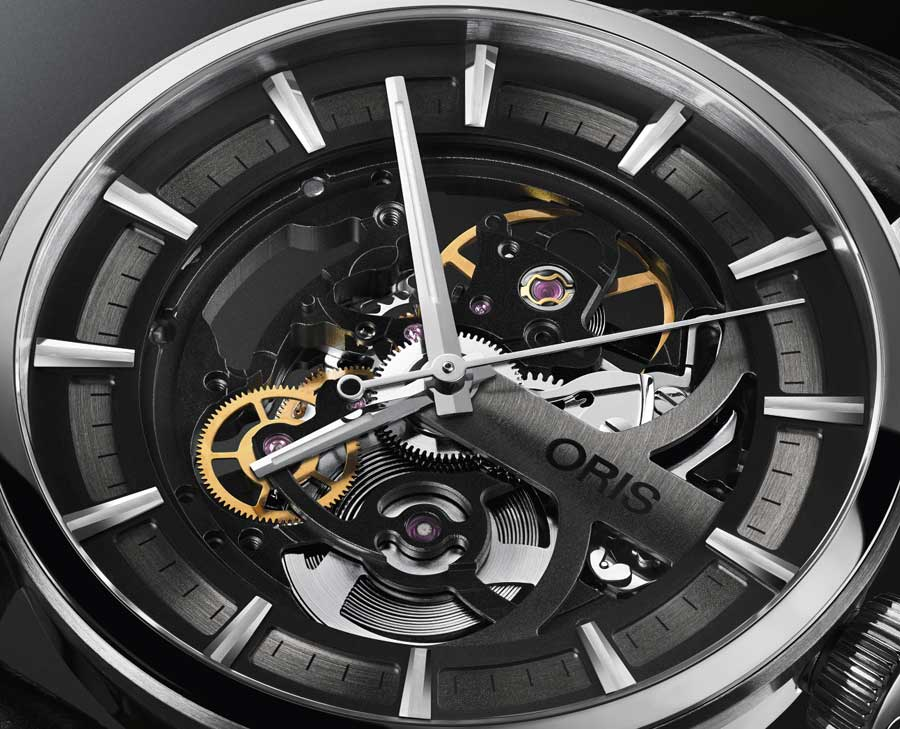 Oris Artix Skeleton : retour à 39 mm