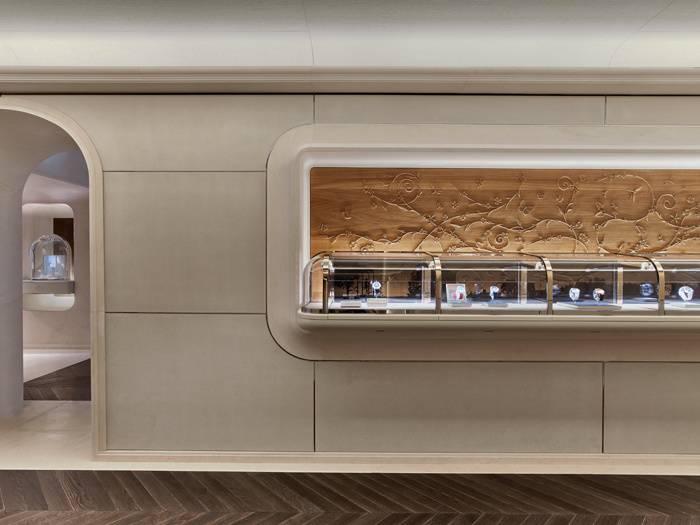 Van Cleef & Arpels : une nouvelle adresse au 20, place Vendôme