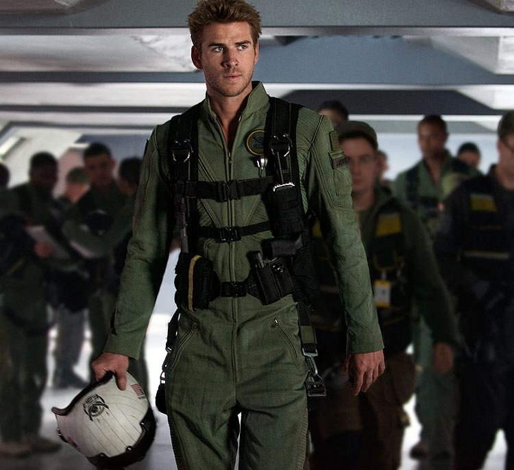 Independence Day, Resurgence : Liam Hemsworth porte une Hamilton Khaki X-Wind