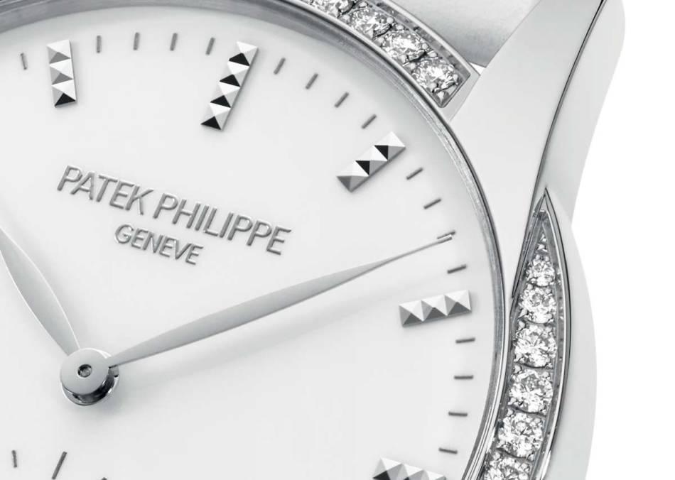 Patek Philippe Calatrava Timeless White : dame estivale