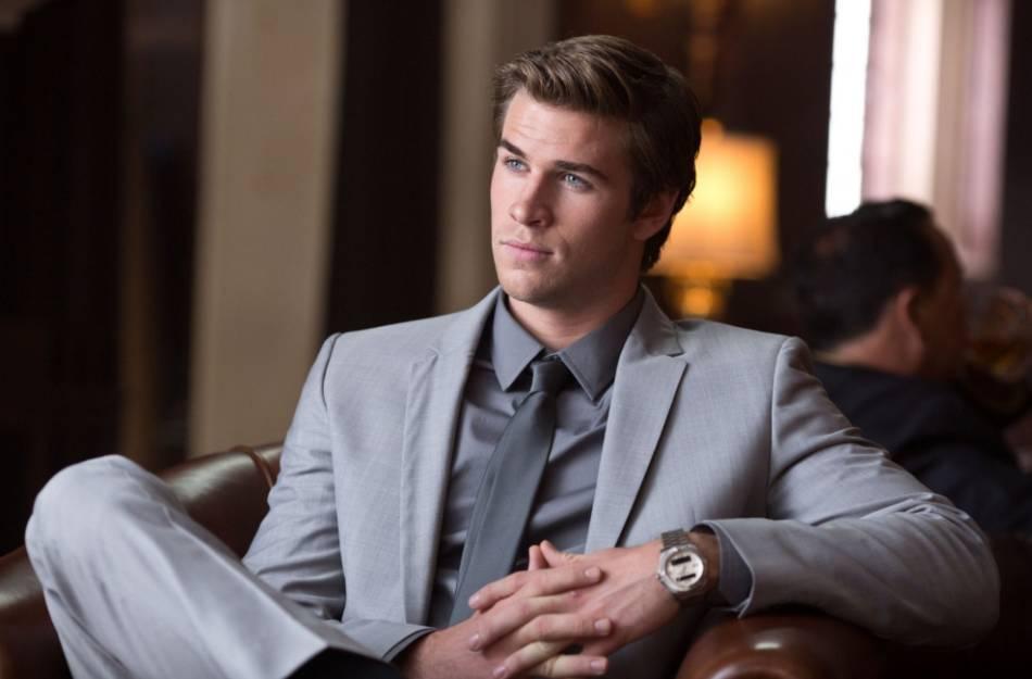 Paranoia : Liam Hemsworth porte une Breitling Airwolf