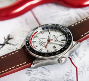 """Alpina Alpiner 4 GMT """"Business Timer"""" : double fuseau accessible"""