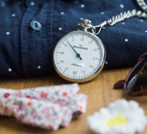 MeisterSinger Pocket Watch : le temps de l'à peu près dans la poche