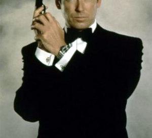 Demain ne meurt jamais : Pierce Brosnan porte une Omega Seamaster Professional