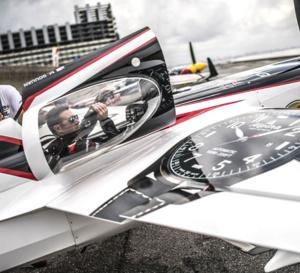 Alpina : sponsor de l'équipe Michael Goulian au Red Bull Air Race World Championship