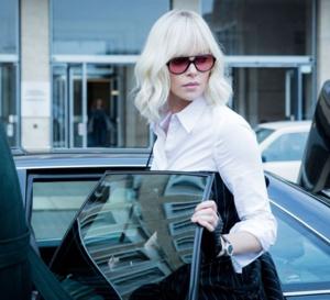 Atomic Blonde : Charlize Theron porte une Carl F. Bucherer Manero Autodate