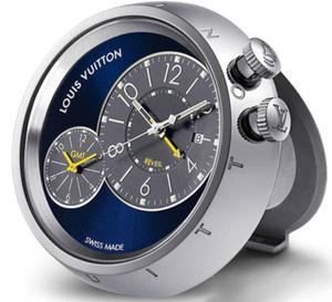 Louis Vuitton : réveil de voyage Tambour double fuseau horaire pour les voyageurs infatigables