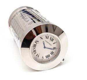 Cartier : pendulette boite à cigarettes et calendrier