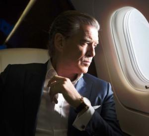 I.T. : Pierce Brosnan porte une montre Piccadilly Speake-Marin
