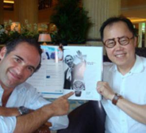 Singapour, septembre 2009 : rencontre entre l'horloger Denis Asch et Bernard Cheong, collectionneur, expert et critique horloger singapourien