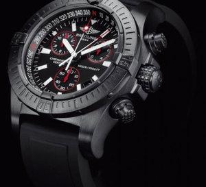 Breitling Avenger Seawolf Chrono Blacksteel : fonctionnelle jusqu'à 1.000 mètres de profondeur