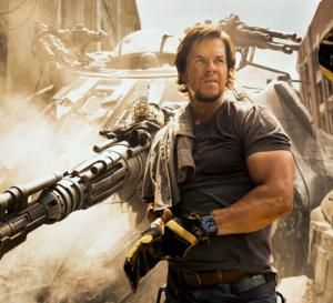 Transformers The last knight : Mark Wahlberg porte une Breitling Cockpit B50