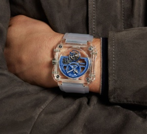 La BR-X1 Skeleton Tourbillon Sapphire bleue disponible en exclu sur Mr Porter