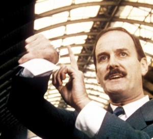 Clockwise : John Cleese porte une Seiko A718