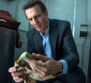The passenger : Liam Neeson porte une Hamilton Jazzmaster