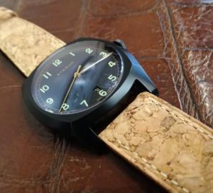 Osez le bracelet-montre en liège avec Kronokeeper