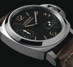 Officine Panerai Luminor 8 Days : acier ou titane ?