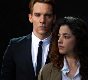 Damascus cover : Jonathan Rhys Meyers porte une Royal Oak Audemars Piguet en or rose