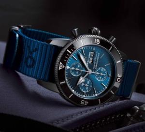 Breitling SuperOcean Héritage II Outerknow : label bleu