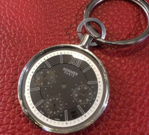 Misterchrono propose des porte-clefs dotés de véritables cadrans de montre